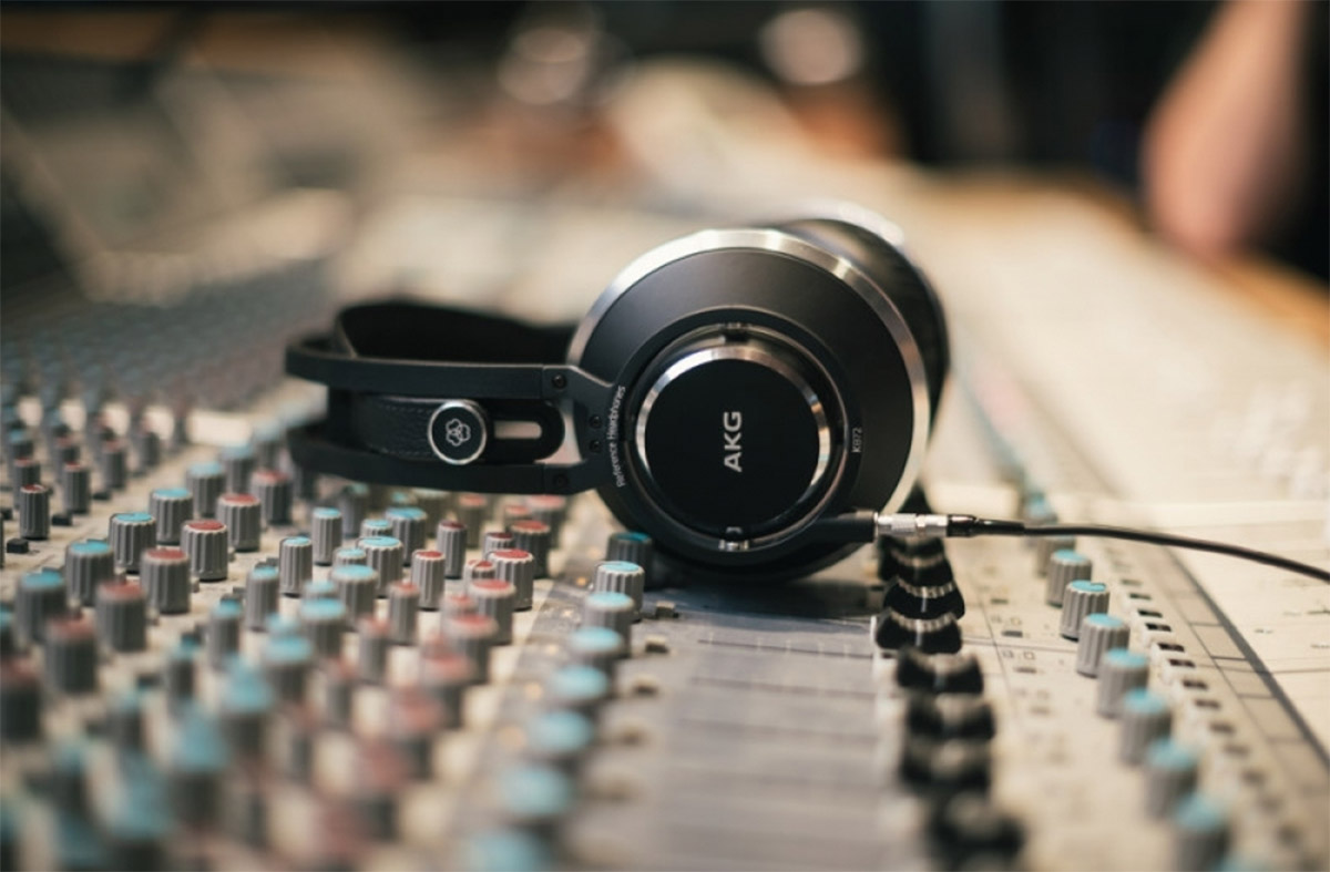 Headphones Open or Closed: Which is Best for You?