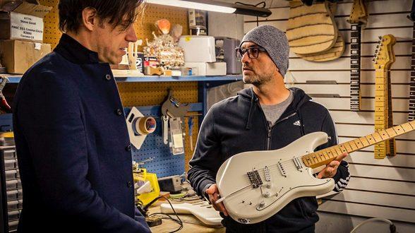 Fender Ed O'Brien: Signature EOB Sustainer Strat Guitar
