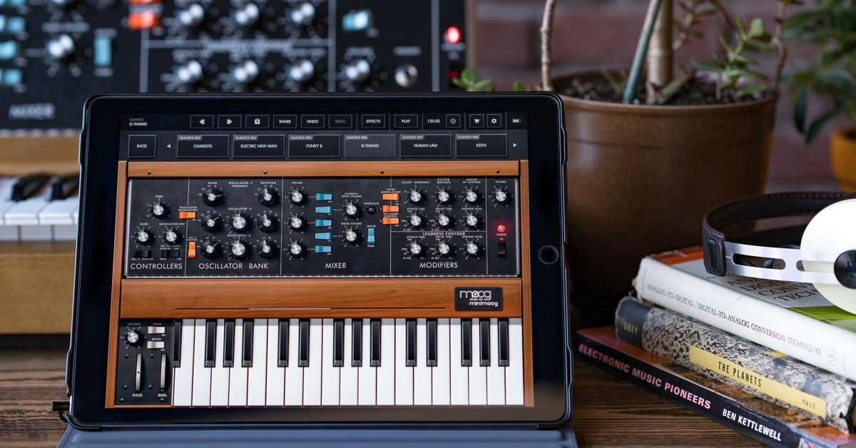Moog Introduce Official Minimoog Model D App iOS App