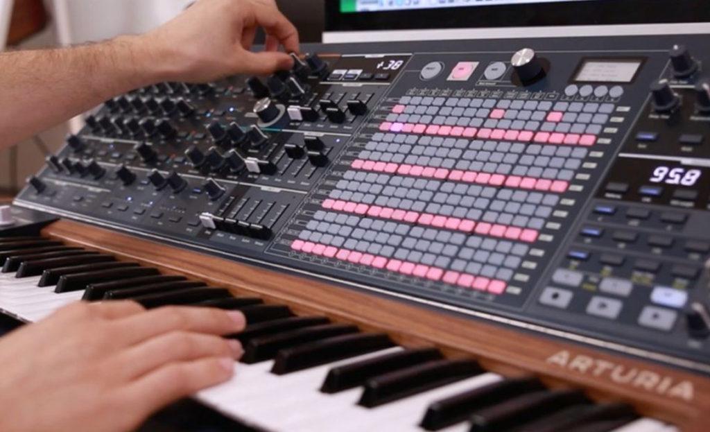 Choose between an Arranger Keyboard or a Workstation Synthesiser
