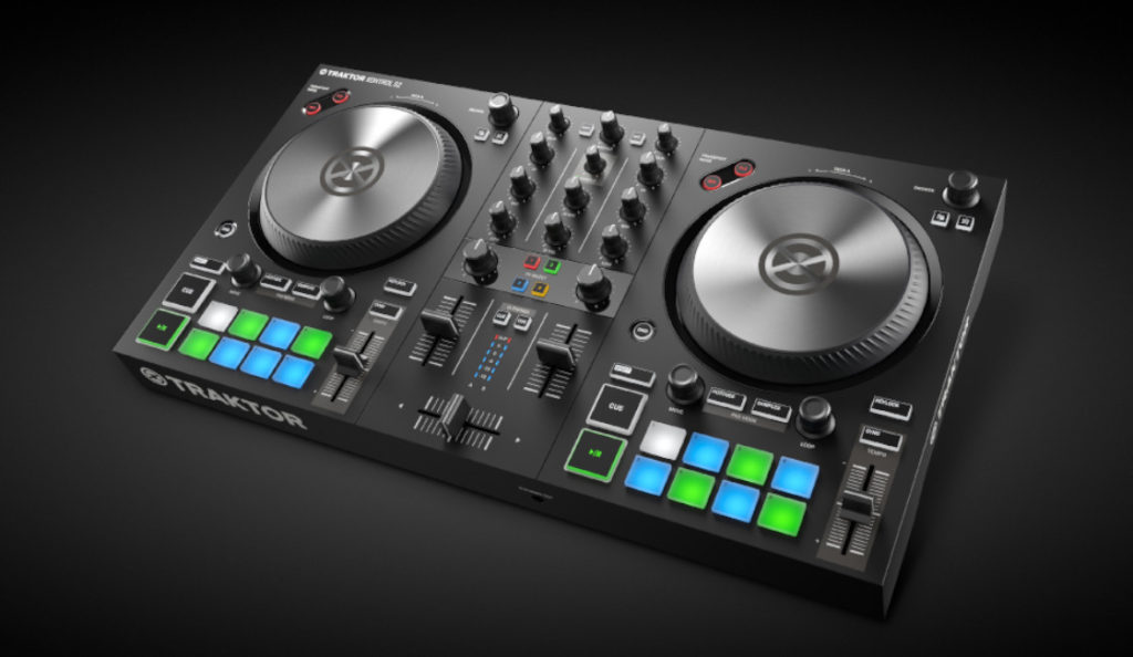 New Native Instruments TRAKTOR S2 MK3 DJ CONTROLLER