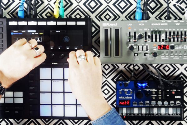 Just Sounds: NI Maschine Controls Hardware Synths