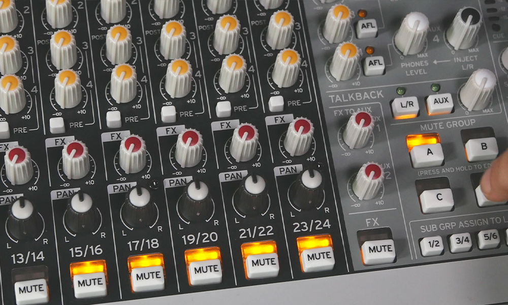 Korg MW Series, is this the First True Hybrid Mixer?